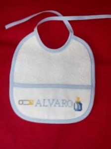 babero Alvaro