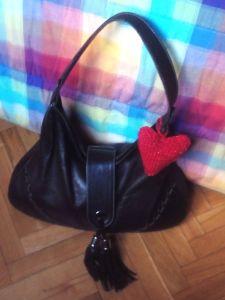 corazon en bolso